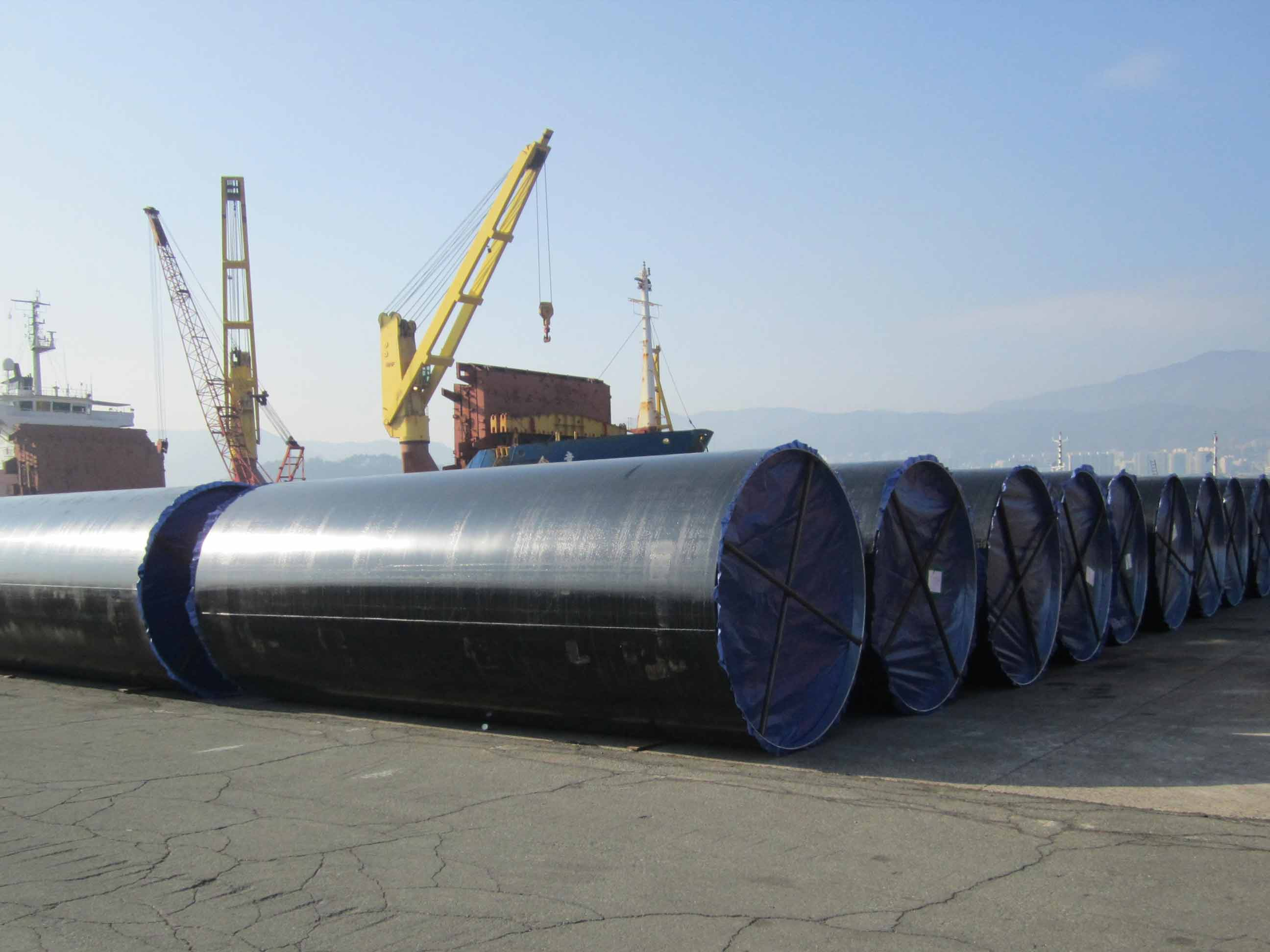Alloy steel Large-diameter, thick-wall tubes